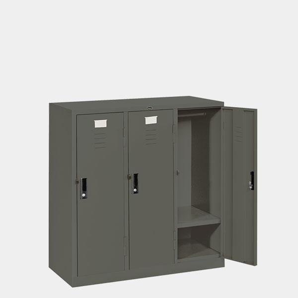 ตู้ล็อคเกอร์เตี้ย-3-ประตู-รุ่น-LK-T3-สีเทาราชการ