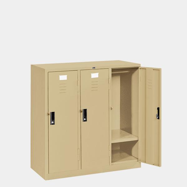 ตู้ล็อคเกอร์เตี้ย-3-ประตู-รุ่น-LK-T3-สีครีม